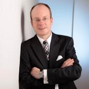 Dr. Bastian Behrens