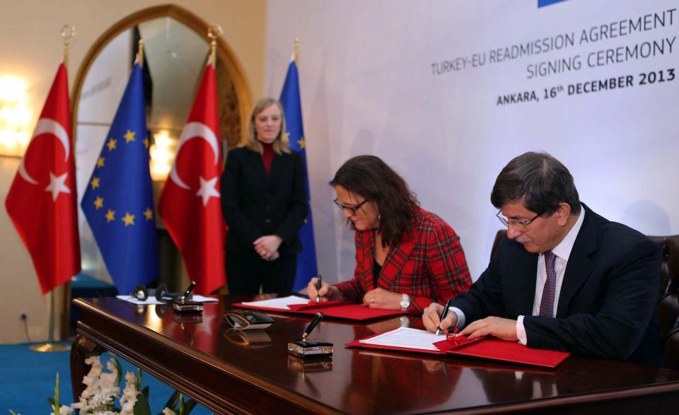 Ahmet Davutoglu und  EU-Kommissarin Cecilia Malmstrom
