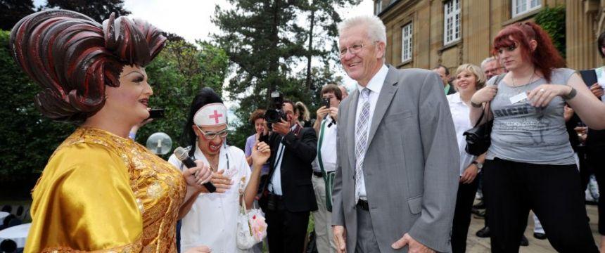 Ministerpräsident Winfried Kretschmann empfängt Organisatoren des Stuttgarter Christopher Street Day