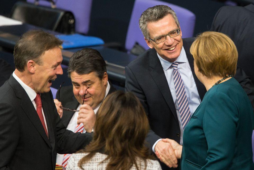 Merkel mit SPD-Politikern