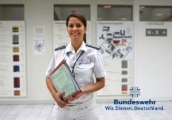 Werbefoto der Bundeswehr: Ansehensverlust durch steigenden Frauenanteil? Foto: Flickr/ Wir.Dienen.Deutschland mit CC-Lizenz http://tinyurl.com/3a8gew