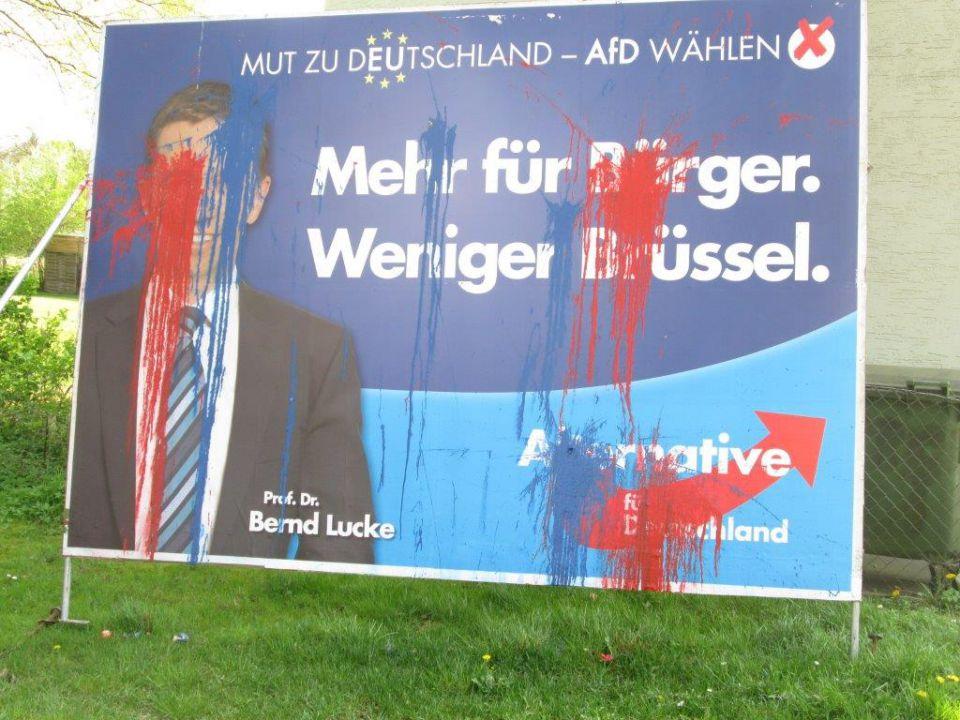 Beschmierte AfD-Plakate in Niedersachsen...