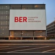 BER-Logo: Korruption und Mißwirtschaft Foto: picture alliance