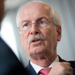 Generalbundesanwalt Harald Range:  Ein unübersehbares Signal Foto: picture alliance / dpa