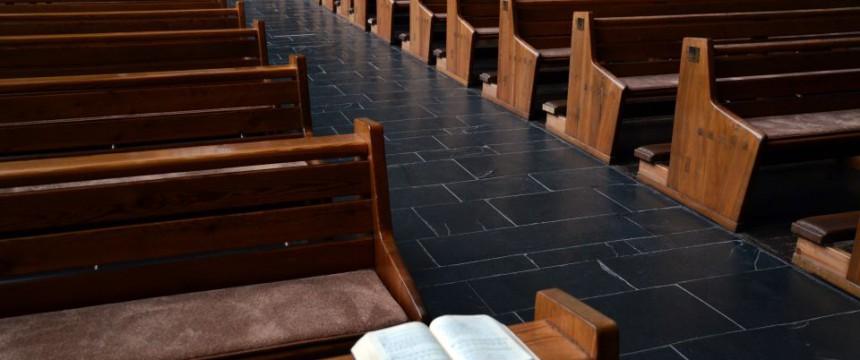 Leere Kirchenbänke: Viele christliche Gotteshäuser sind immer schlechter besucht Foto: picture alliance