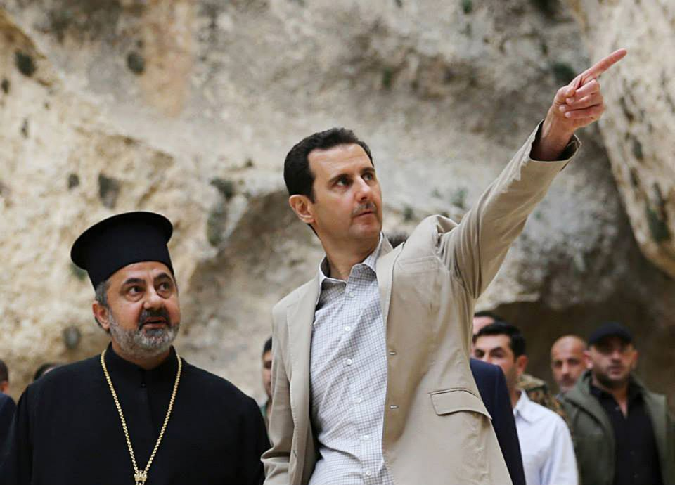 Baschar al-Assad besucht ein christliches Dorf