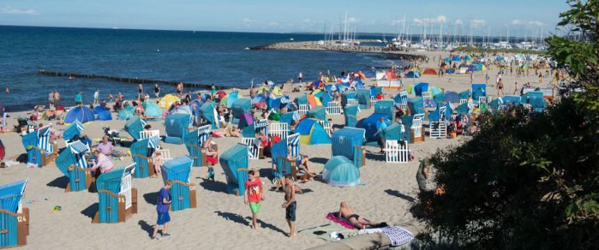 Strand von Kühlungsborn: Debatte über Zwangsbeschlagnahmungen Foto: dpa