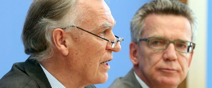 Jörg Ziercke und Thomas de Maizière: Sicherheitsbehörden vor Neuausrichtung Foto: dpa