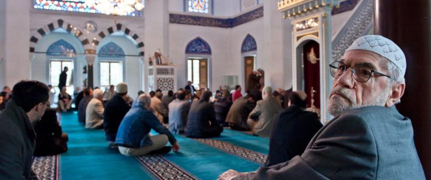 Moschee in Berlin Neukölln Studie belegt Kosten durch Ausländer Foto: picture alliance