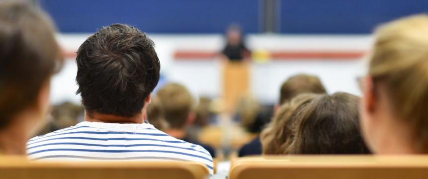 Hörsaal: Wer sich verweigert, bekommt schlechtere Noten Foto: dpa