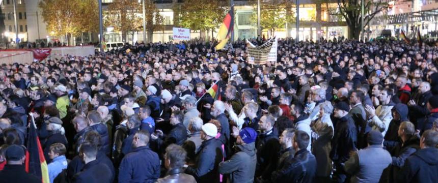 """Pegida-Demonstration in Dresden: """"Freunde, dies ist ein Zeichen von Angst"""" Foto: JF"""