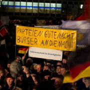 Pegida-Demonstration in Dresden Foto: picture alliance/dpa