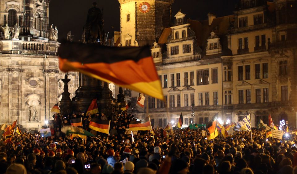 Pegida-Kundgebung auf dem Theaterplatz (2014)