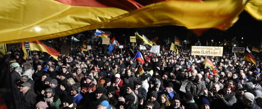 Pegida-Demonstration in Dresden: Forderung nach Ausweisung von Islamisten Foto: picture alliance/AP Photo