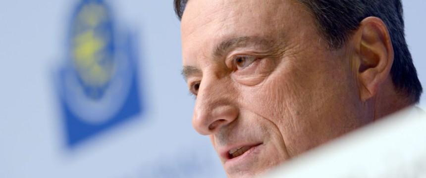 EZB-Chef Mario Draghi: Seine Politik wird scharf kritisiert Foto: dpa