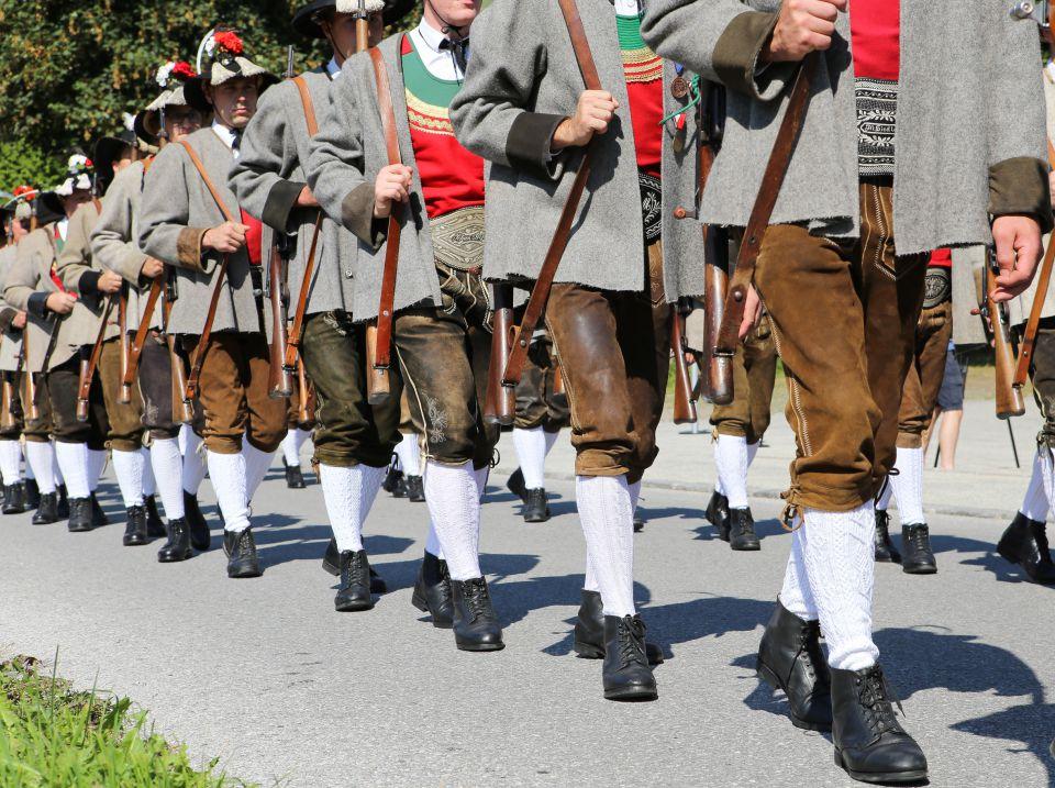 Schützenumzug in Österreich