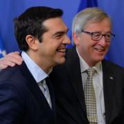 Alexis Tsipras (r) und Jean-Claude Juncker: Euro Austritt ausgeschlossen? Foto:  picture alliance/AA