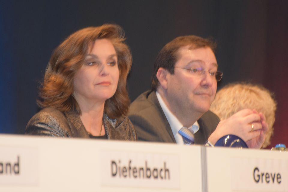 Piet Leidreiter mit Verena Brüdigam auf dem Bremer Parteitag der AfD