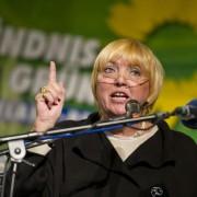 Claudia Roth (2011): Sie liebt den erhobenen Zeigefinger Foto: dpa