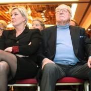 Das Tischtuch zwischen Tochter Marine und Vater Jean-Marie Le Pen ist zerschnitten Foto:  picture alliance / dpa