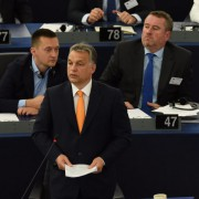 Viktor Orbán : Kritik von der EU-Kommission Foto: dpa