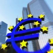 Euro-Symbol vor der EZB-Zentrale: Klage abgeschmettert Foto:  picture alliance