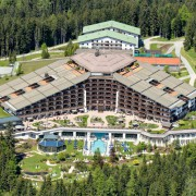 Hotel Interalpen Tyrol, Tagungsort der Bilderberger-Konferenz 2015: Netzwerk der Mächtigen Foto: picture alliance / dpa