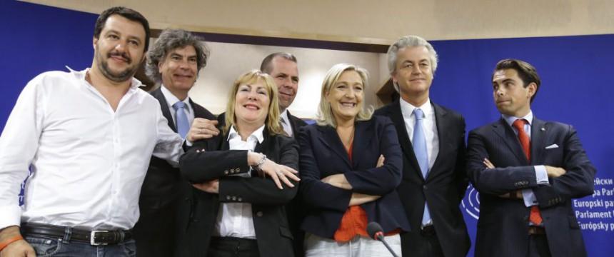 Marine Le Pen und Geert Wilders mit weiteren Mitgliedern der neuen Rechtsfraktion im EU-Parlament Foto: picture alliance/dpa