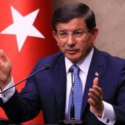 Der türkische Ministerpräsident Ahmet Davutoglu kündigt weitere Angriffe auf die PKK an Foto: picture alliance/AA