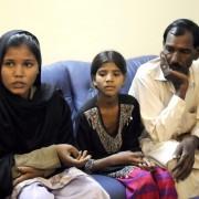 Können wieder hoffen: Die Familie von Asia Bibi Foto: picture alliance/dpa