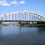 Die Benes-Brücke bei Aussig: Sogar Kinderwagen wurden in die Elbe gestürzt Foto: Wikimedia/Ralf Roletschek/fahrradmonteur.de mit CC 3.0 Lizenz http://creativecommons.org/licenses/by-sa/3.0/