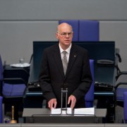 Norbert Lammert: Fordert weniger Wahlen in Deutschland Foto: picture alliance/Sven Simon