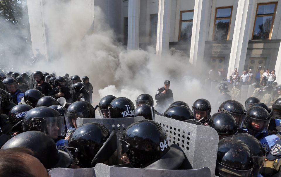 Explosion vor dem Parlament
