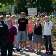 Protest gegen den Besuch von Kanzlerin Angela Merkel (CDU) in Heidenau Foto: picture alliance/dpa
