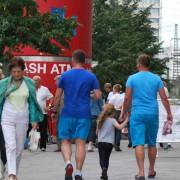 Berliner am Alexanderplatz, sie profitieren laut der Studie von großer persönlicher Freiheit Foto: rg