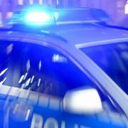 Polizeiwagen (Symbolfoto): Polizeieinsätze in Asyl-Heimen nehmen zu Foto: dpa