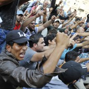 Wütende Asylsuchende in Budapest:: Sie wollen nach Deutschland Foto: dpa