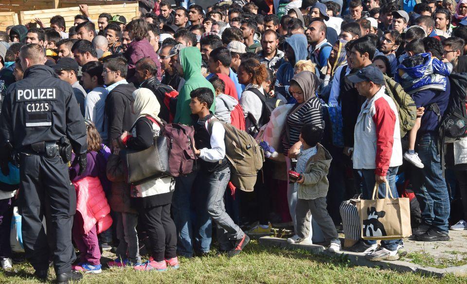 Asylsuchende aus Ungarn treffen in Berlin ein