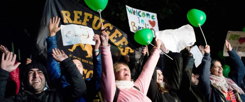 Berliner heißen Asylbewerber willkommen Foto: picture alliance/dpa