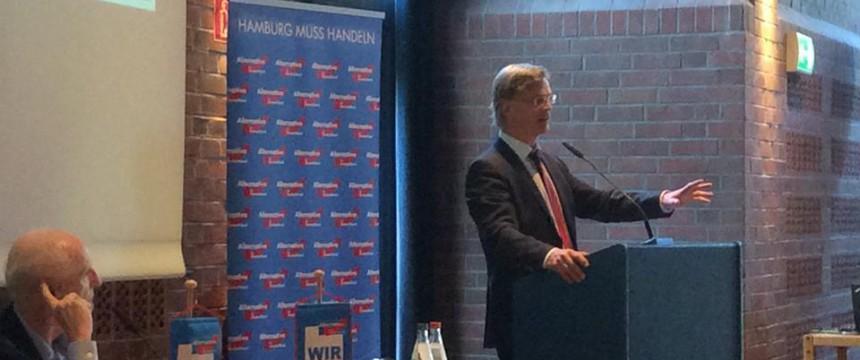 Bernd Baumann bei seiner Rede auf dem AfD-Landesparteitag in Hamburg am 3. Oktober 2015 Foto: Facebook/AfD-Hamburg