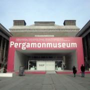 Pergamonmuseum in Berlin: Flüchtlinge und Helfer haben ab sofort kostenfreien Eintritt Foto: picture alliance/XAMAX