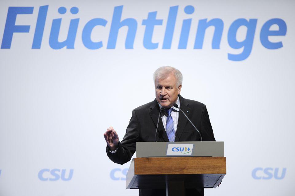 Seehofer warnt vor Scheitern Deutschlands