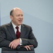 Der neue Vorstandsvorsitzende der Deutschen Bank, John Cryan, will tausende Stellen streichen Foto: picture alliance/dpa