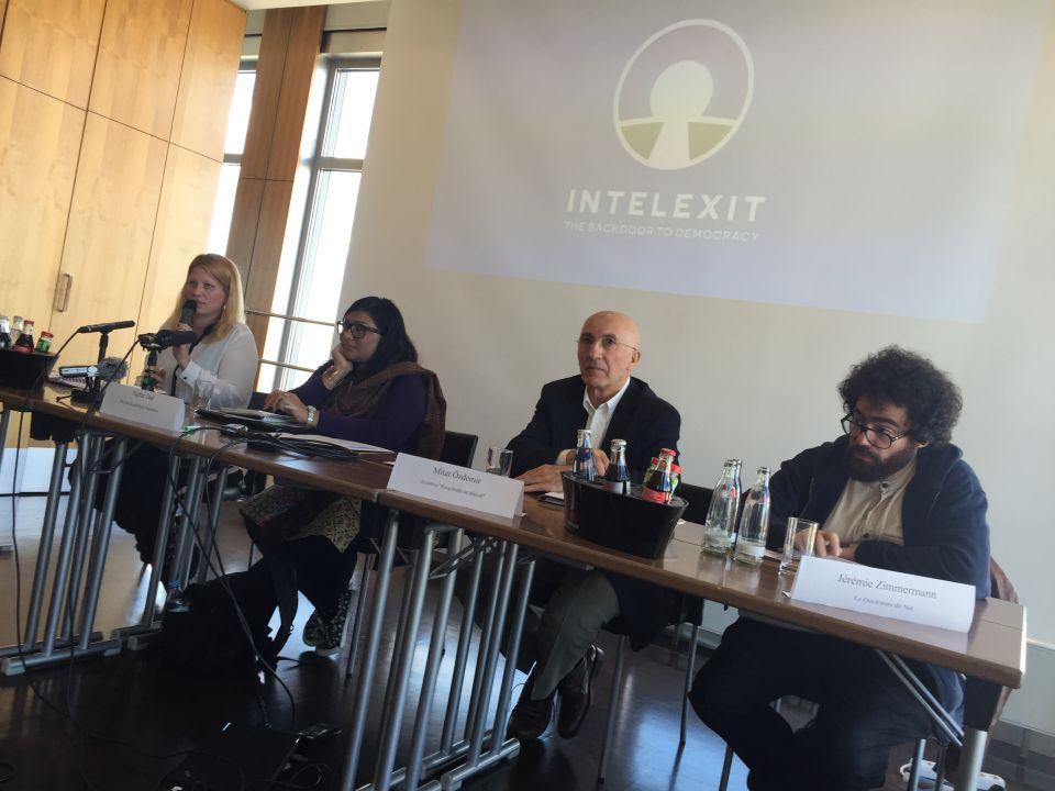 Lizvlx, Nighat Dad, Mitat Özdemir und Jérémy Zimmermann Foto: Ronald Gläser