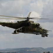 Russischer Kampfhubschrauber attackiert IS-Stellungen iN Syrien Foto: picture alliance/dpa