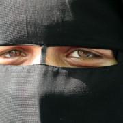 Niqab  (Symbolfoto): Algerier will Strafen übernehmen Foto:  picture alliance/landov