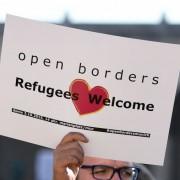 Linke Demonstration für Asylbewerber: Flüchtlinge nahmen Motto wörtlich Foto: dpa