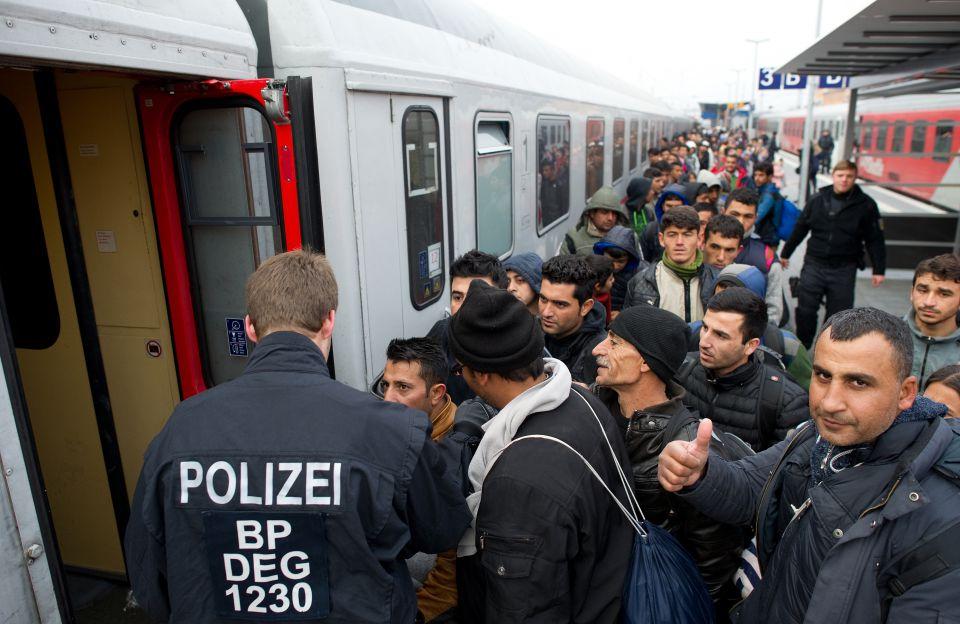 Asylbewerber am Bahnhof Passau