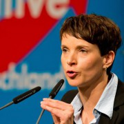 Frauke Petry in Hannover: Merkel soll zurücktreten Foto: dpa