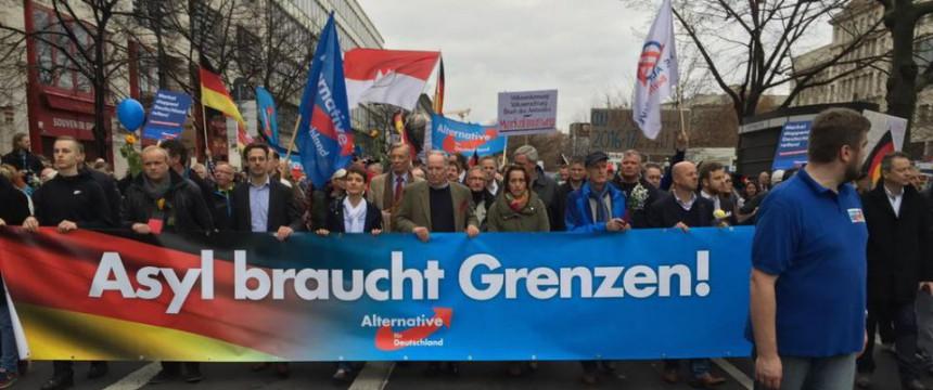 AfD-Demo in Berlin: Linksextremisten greifen Polizisten an Foto: JF/rg